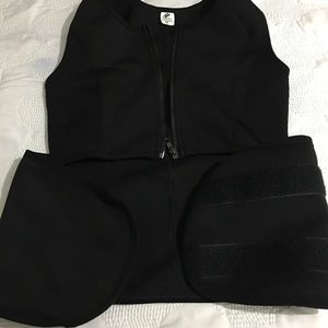Mossimo Supply Co. Other - Workout Gear, Capri wide leg Leggings & Sauna Vest